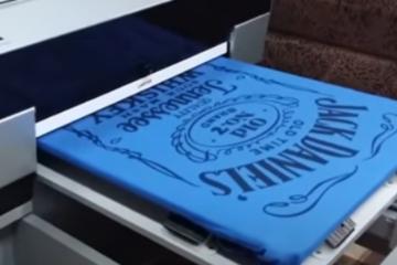 Печать фото на толстовках в Москве